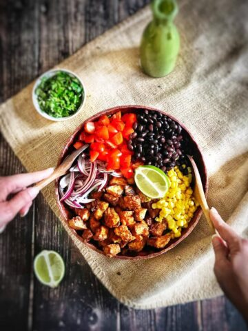 southwestern salad with chili-lime tofu nuggets