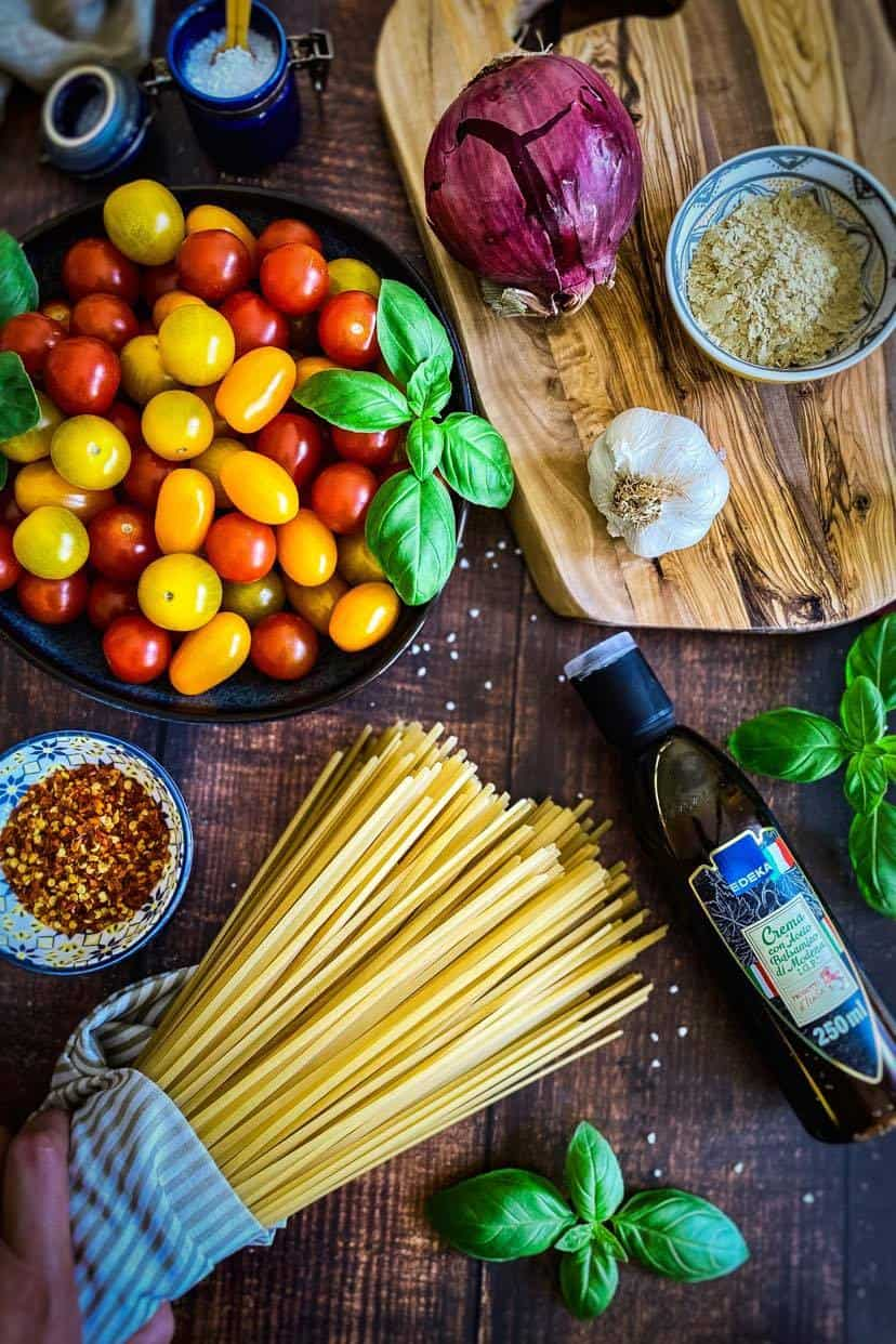 Ingredients to make Cherry Tomato & Basil Pasta