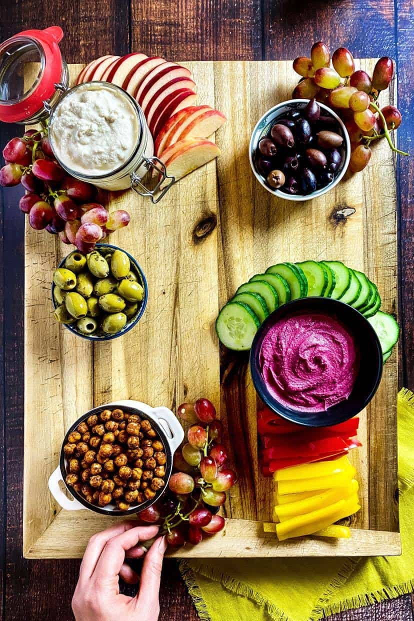 how to build a meatless charcuterie board