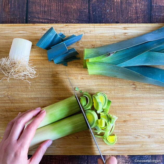 Chop the white part of the leek into half circles.